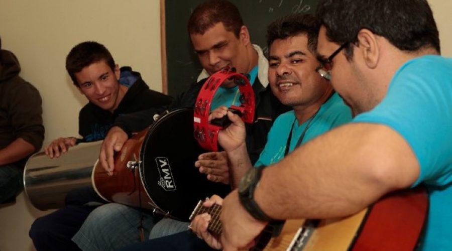 MÃOS INCLUSIVAS Musicoterapia